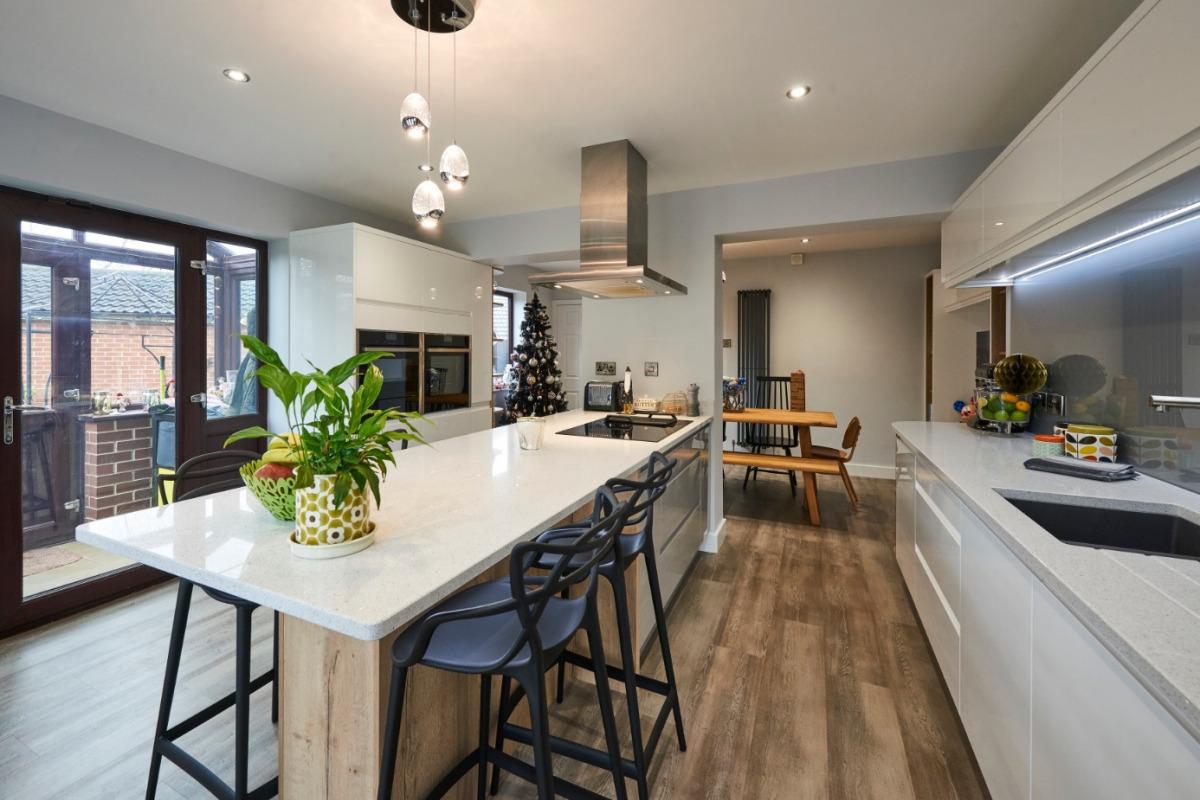 Ellam Kitchen Pic1