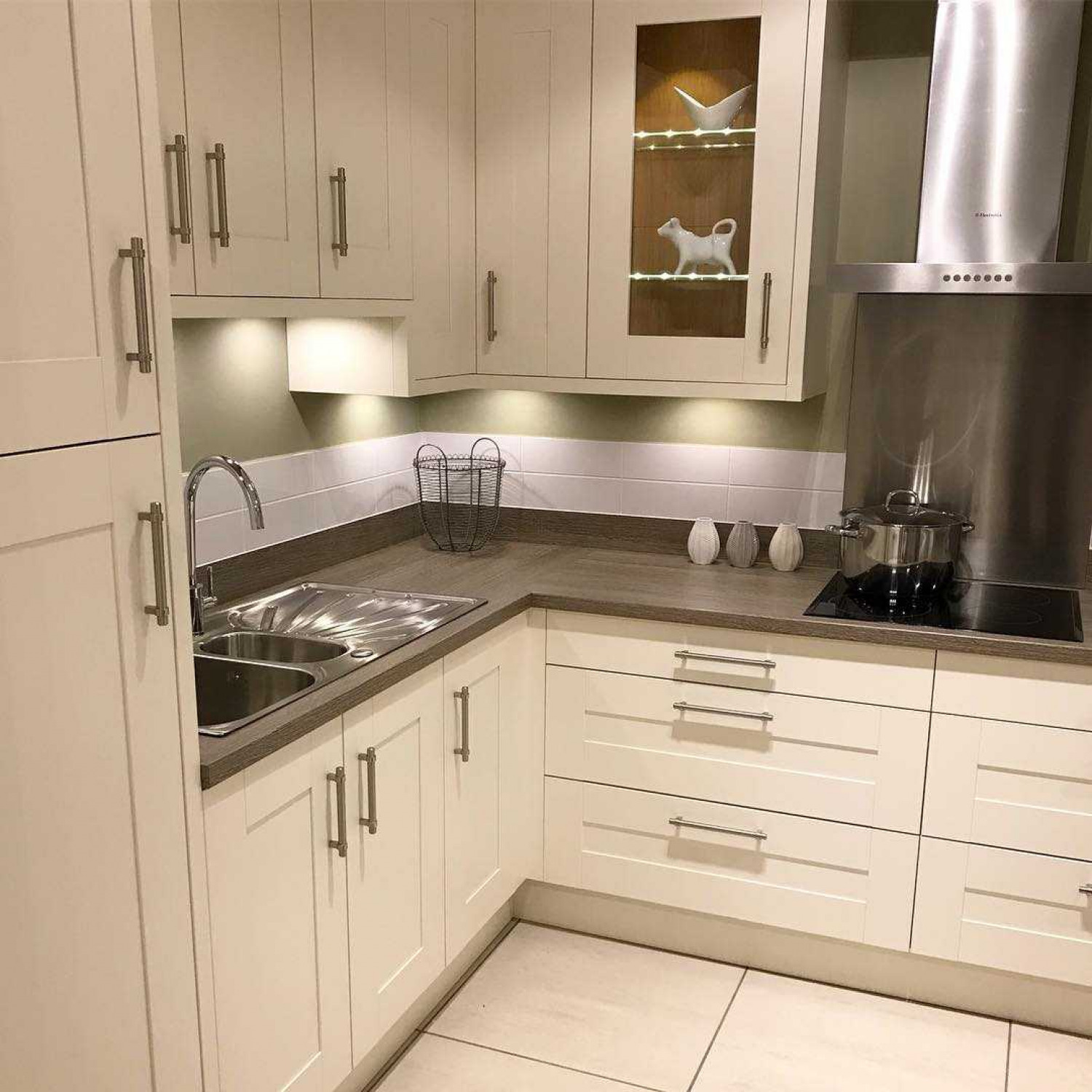 L Shaped Kitchens Choosing Units