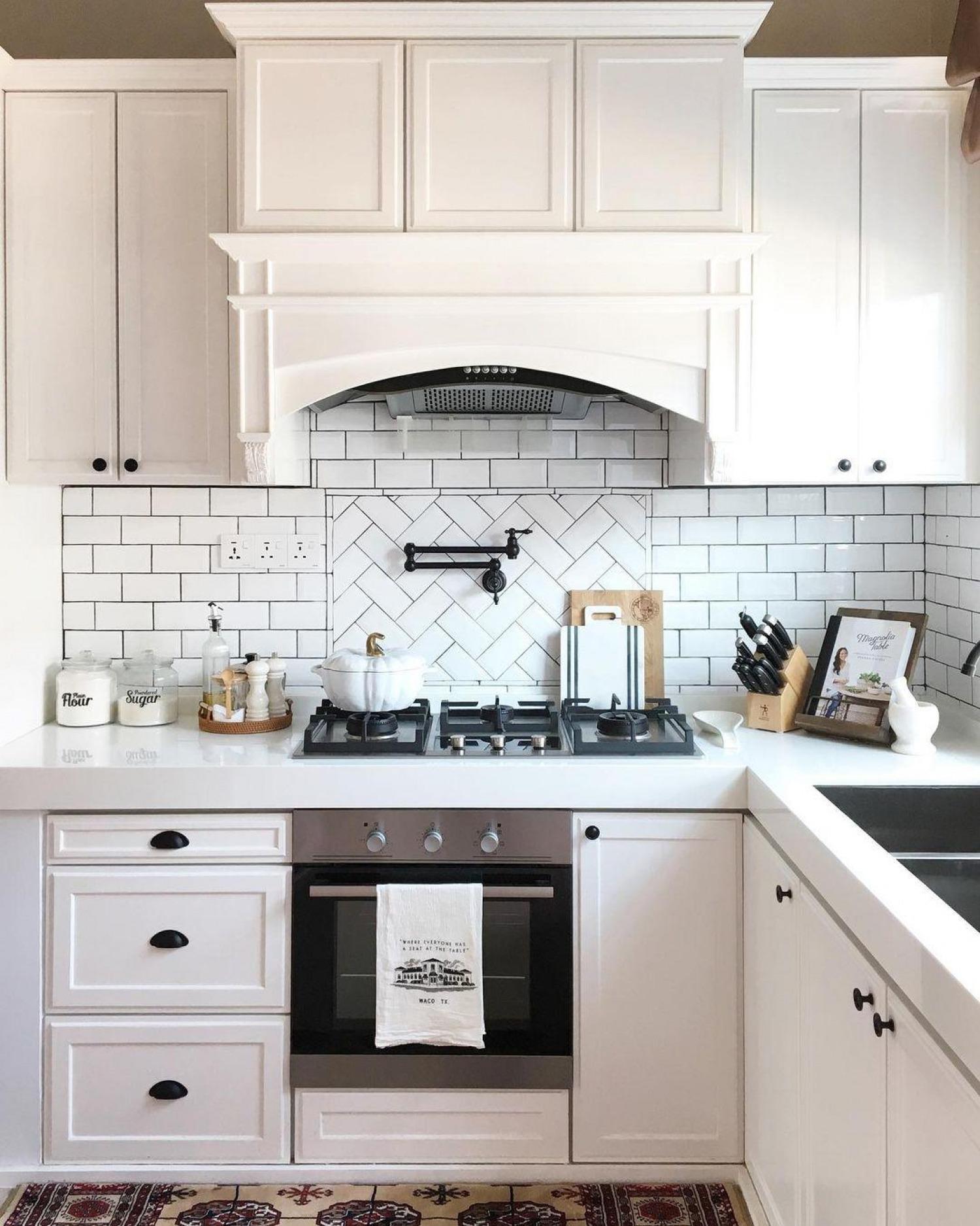 Black And Cream Kitchen Ideas Cream Tiles Black Grout