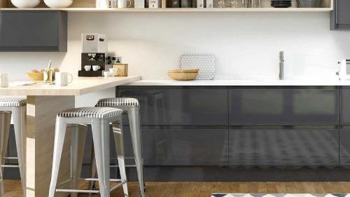Kitchen Flooring Wiid With Rug